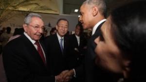 150411133215-01-obama-castro-handshake-041115-medium-plus-169
