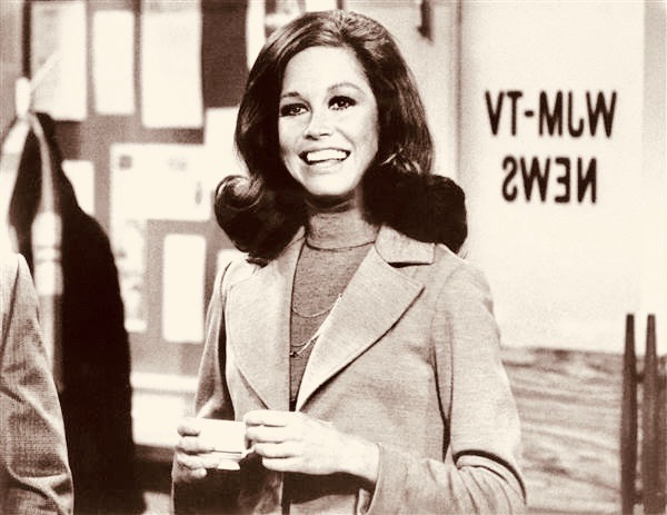 170125-mary-tyler-moore_642779a6f7208a58d1945695b88fd183.nbcnews-ux-600-480 2
