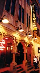 100521_Chicago_facade