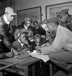 250px-Tuskegee_airmen_2-1