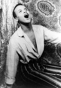 200px-Harry_Belafonte_singing_1954