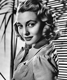 220px-Patricia_Neal_-_publicity
