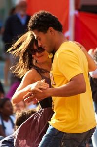 399px-Merengue_dancing