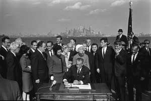 800px-Immigration_Bill_Signing_-_A1421-33a_-_10-03-1965