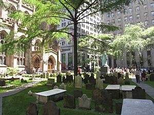 300px-Trinity_Church_Cemetery_NYC_9109