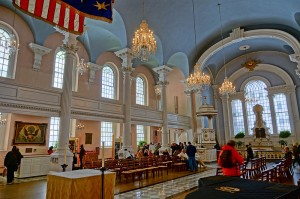 800px-NYC_-_St_Paul_Chapel_-_Interior_1