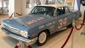800px-Wendell_Scott_34_Chevrolet_NASCAR_Hall_of_Fame