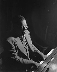 220px-Art_Tatum,_ca._May_1946_(William_P._Gottlieb_08311)