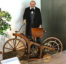 220px-Daimler-1-motorcycle-1