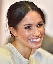220px-Meghan_Markle_visits_Northern_Ireland_-_2018_(41014635181) 3