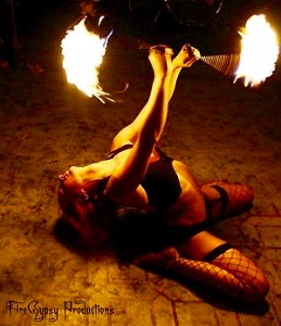 300px-Fire_Gypsy_performing_fire_poi-259x300 (1)