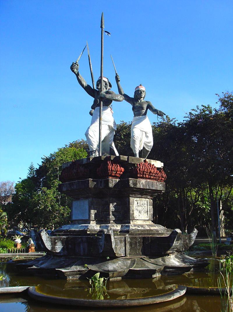 800px-1906_Puputan_monument_in_Denpasar