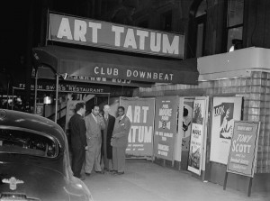 800px-Art_Tatum_and_Phil_Moore,_Downbeat,_New_York,_N.Y.,_between_1946_and_1948_(William_P._Gottlieb)