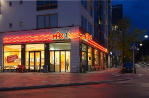 800px-Max_Hammarby_sjöstad_2012-300x198