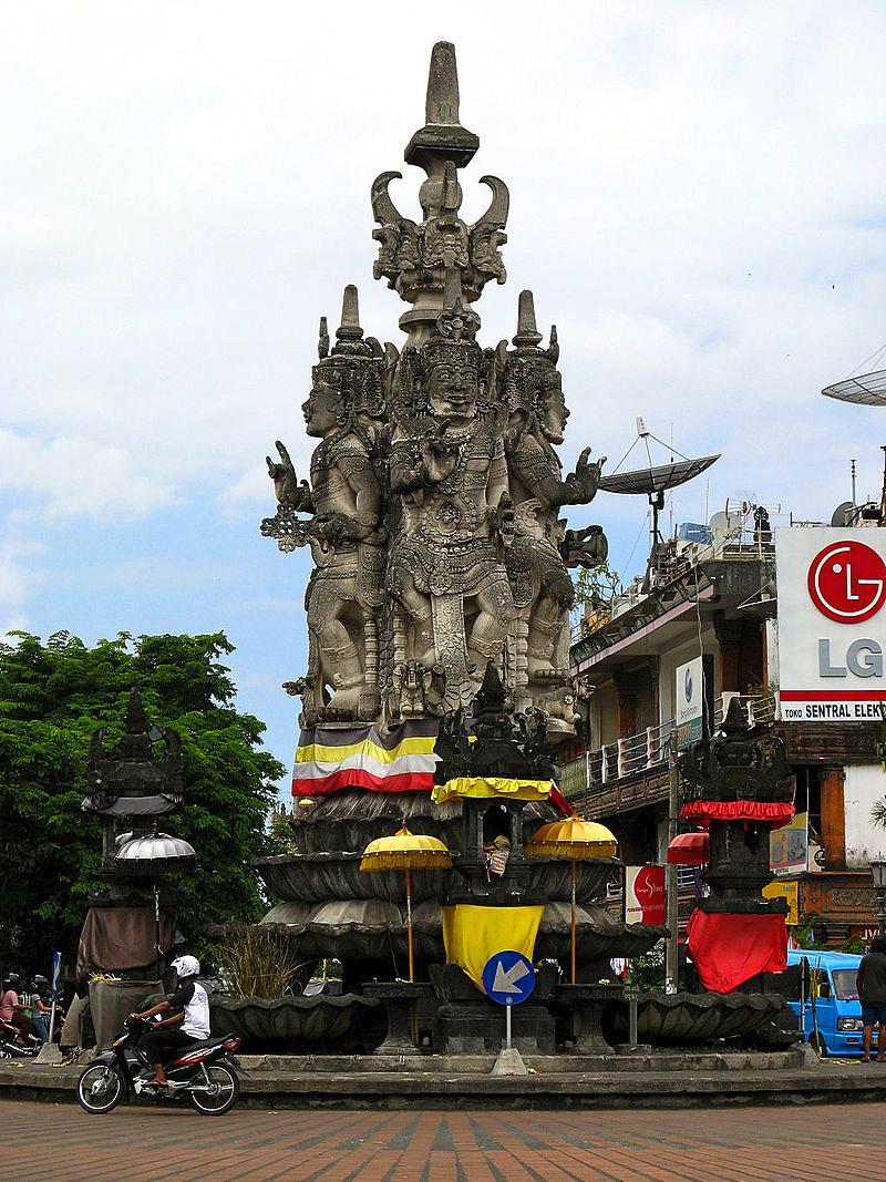 800px-Semarapura,_Bali_1555