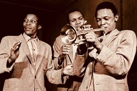 Cape Town Swing in South Africa has just launched a crowdfunding project with the laudable goal of bringing back to the dance floor swinging jazz from the 1940s to the 1950s that was produced in South Africa