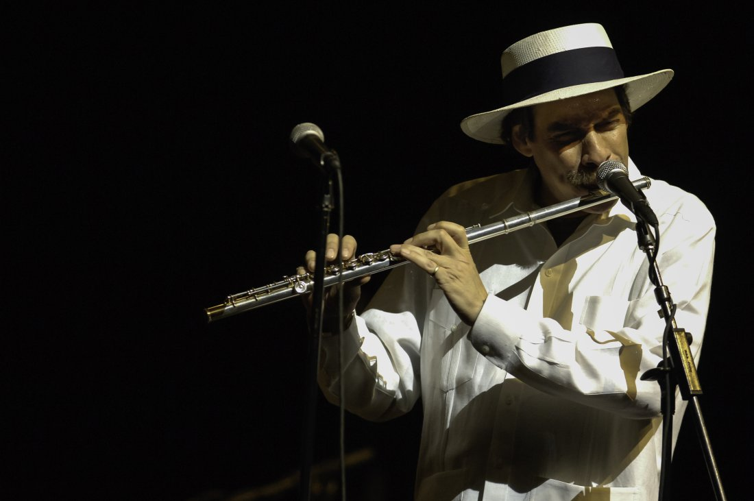 American Latin Jazz musician Dave Valentin performs on flute at the 'All-Star Latin Jazz Tribute to Tito Puente' at Lehman Center for the Performing Arts , Bronx, New York, New York, May 6, 2005. (Photo by Jack Vartoogian/Getty Images)