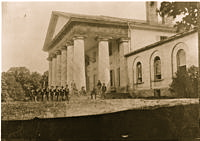 200px-East_front_of_Arlington_Mansion_(General_Lee's_home),_with_Union_soldiers_on_the_lawn,_06-28-1864_-_NARA_-_533118