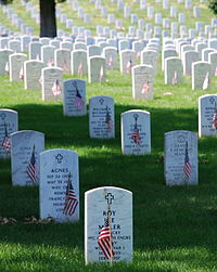 200px-Graves_at_Arlington_on_Memorial_Day