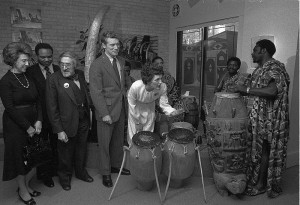 800px-Joan_Mondale_Playing_Drums