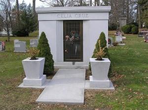 800px-Celia_Cruz_Mausoleum_12-2008