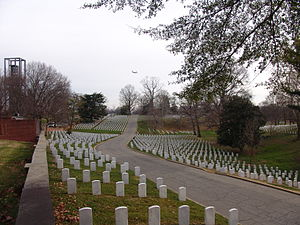 300px-Arlington_National_Cemetery_2012