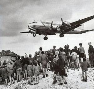 310px-C-54landingattemplehof