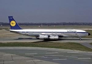 800px-Boeing_707-330B,_Lufthansa_AN2025731