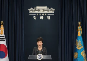 Thousands call on South Korea's Park to Step Down