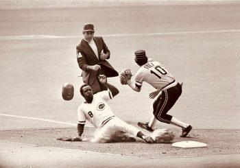 Joe Morgan, Cincinnati Reds second baseman and heart of 1970s 'Big Red Machine,' dies at 77 by David K. Li