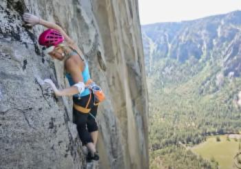 Emily Harrington Becomes First Woman to Free Climb Yosemite's El Capitan in Single Day by CBSN Bay Area