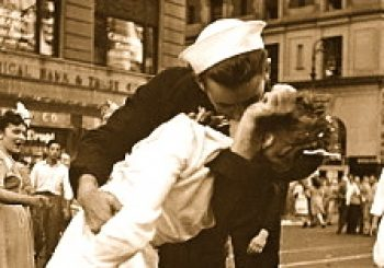 WWII Kissing Sailor